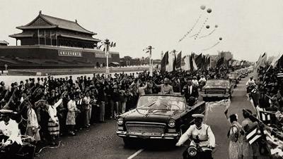1958年8月1日 第一辆 红旗 牌高级轿车在长春第一汽车制造厂诞生高清图片