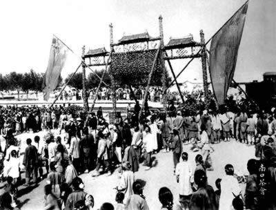 中国设计的第一条铁路通车